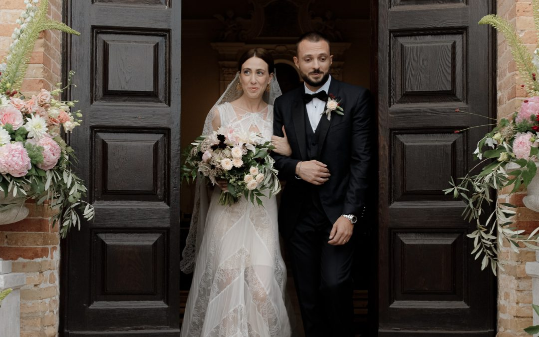 An heartwarming wedding in a stormy day at Semivicoli Castle